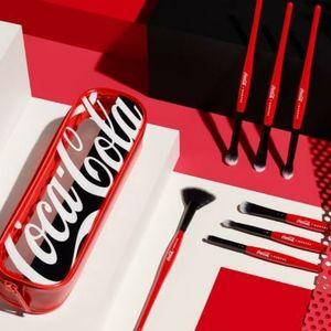🔥 HOT🔥 BNIB LE Morphe x Coca Cola Sweep It Real